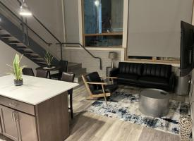 Primary image of 133 E 7th Street, #101